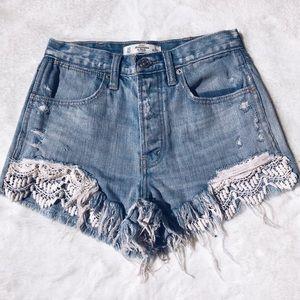 A&F High Rise Crochet Denim Shorts - 00